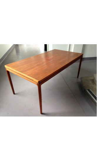 Mid Century Danish Teak Extending Dining Table by Johannes Andersen for Christian Linneberg