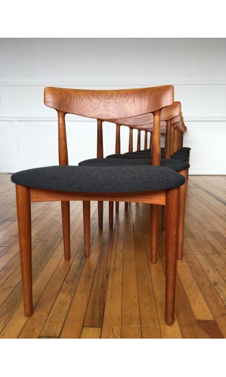 Mid Century Danish Teak Set of Eight (8) Dining Chairs Model 532 by Knud Faerch for Slagelse Mobelvaerk in Kvadrat Wool