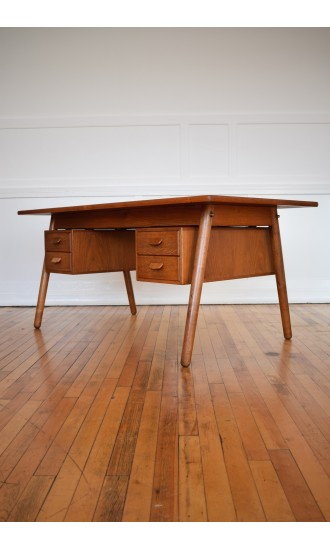 Rare Midcentury Danish Oak and Teak Desk by Poul Volther for FDB Mobler