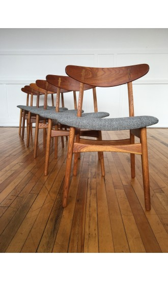 Mid Century Danish Oak and Teak Set of Six (6) Dining Chairs Model CH-30 / CH30 by Hans Wegner for Carl Hansen & Son in Kvadrat Wool