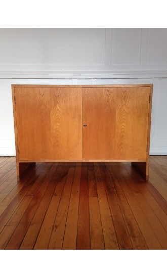 Midcentury Danish Oak Chest / Cabinet / Sideboard by Hans Wegner for Ry Mobler