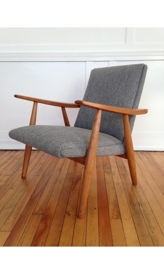 Mid Century Danish Oak Armchair Model GE260 by Hans Wegner for Getama in Kvadrat Wool